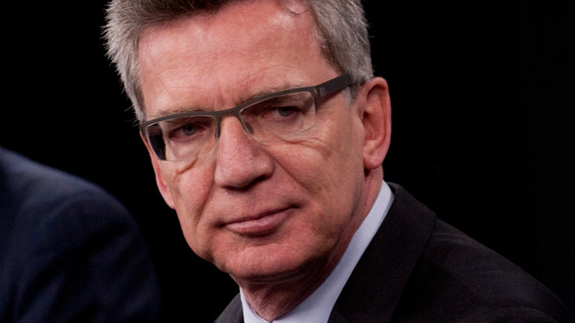 Innenminister streiten um Überwachung von Kindern