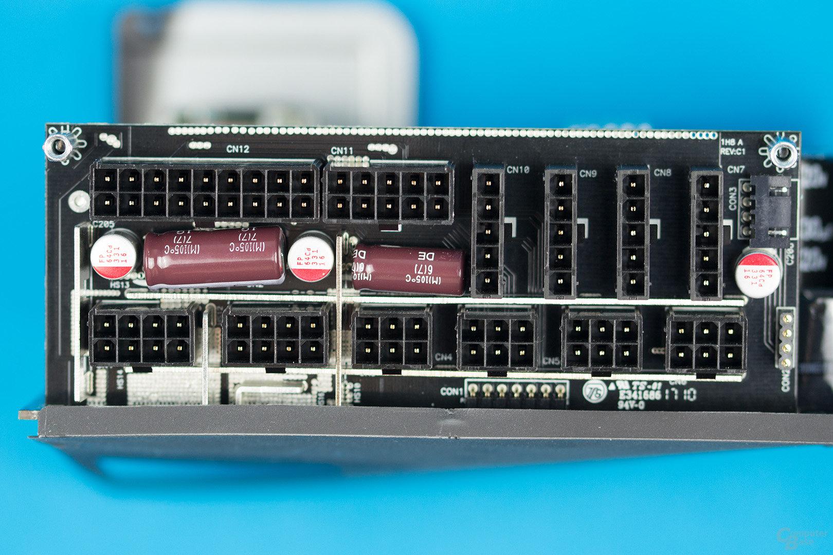 Aerocool P7-650W – Kabelmanagement-Platine
