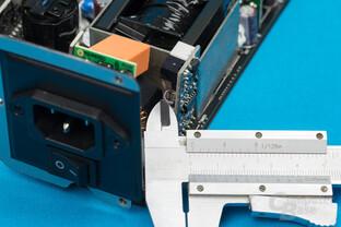 Aerocool P7-650W – 1 mm Abstand zwischen Primär- und Sekundärseite