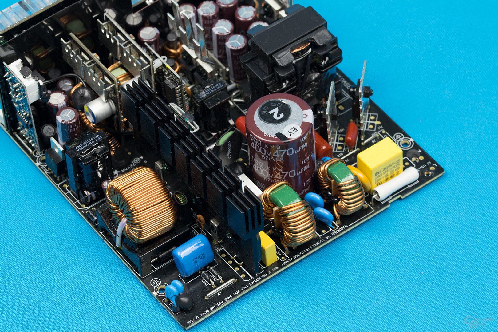 Super Flower Leadex II Gold 650W – APFC und LLC-Halbbrücke