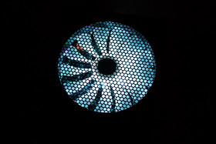 Aerocool P7-650W – RGB-LED-Beleuchtung bei stillstehendem Lüfter