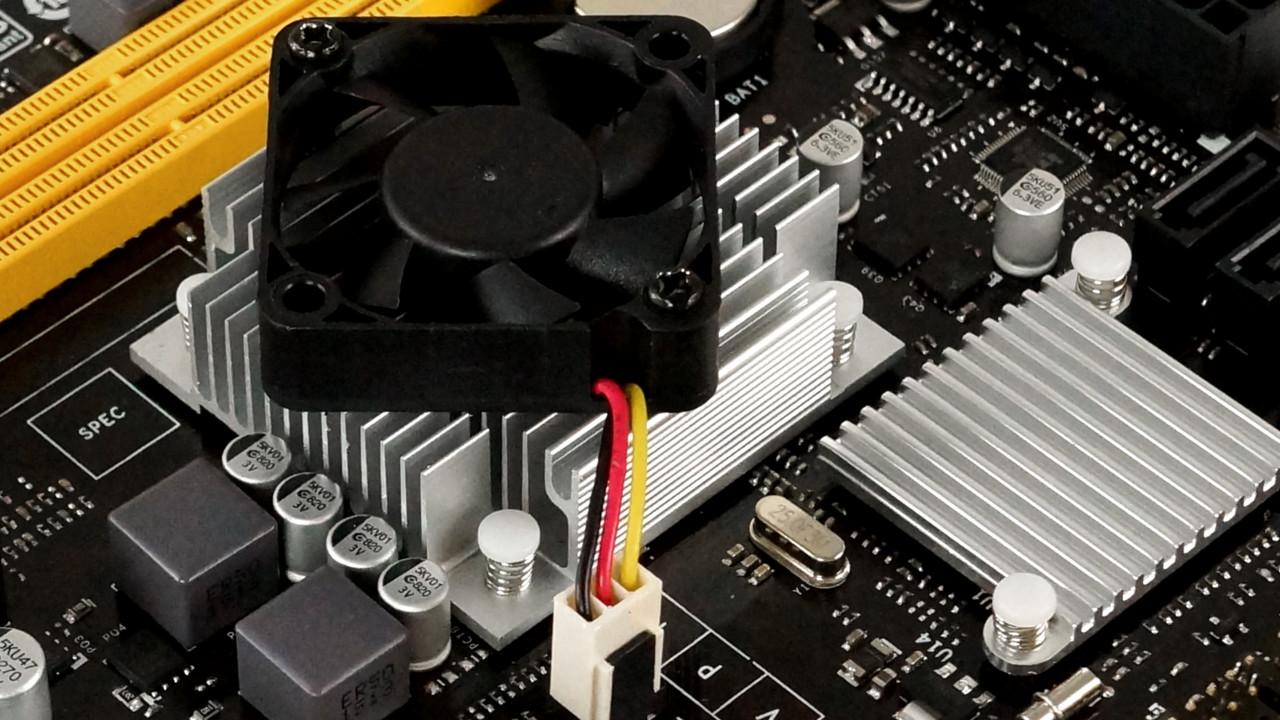 Biostar A68N-5600: Einfache HTPC-Plattform mit AMD A10-4655M und Lüfter