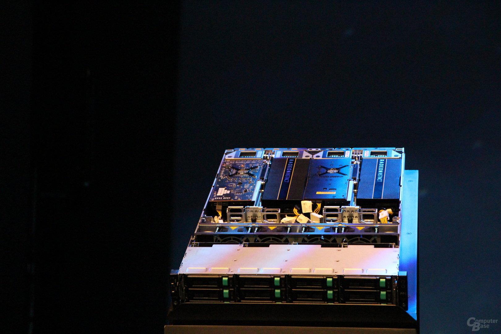 Inventec 1P-Server mit Epyc und 4 × Radeon Instinct MI25
