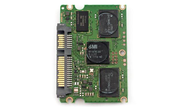 Die Platine der Intel 545s mit 512 GByte (2,5 Zoll)