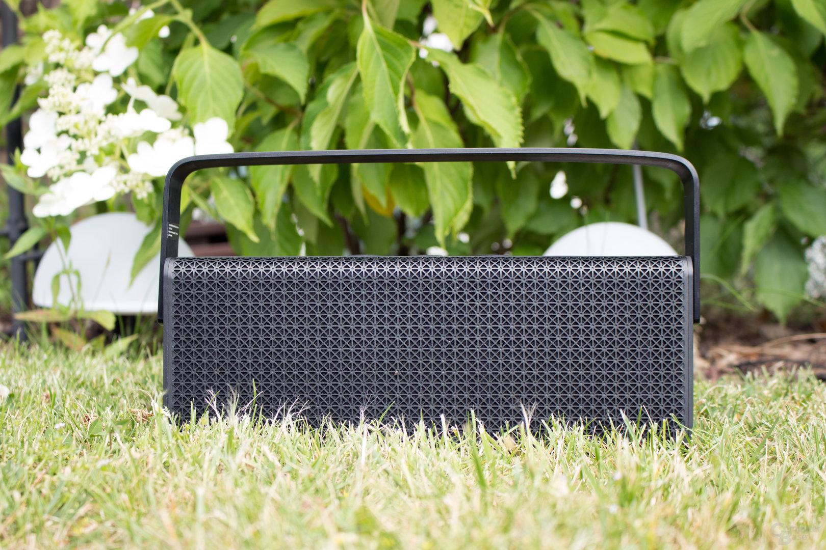 Mutet wie ein gutes altes Kofferradio an – der Edifier MP700