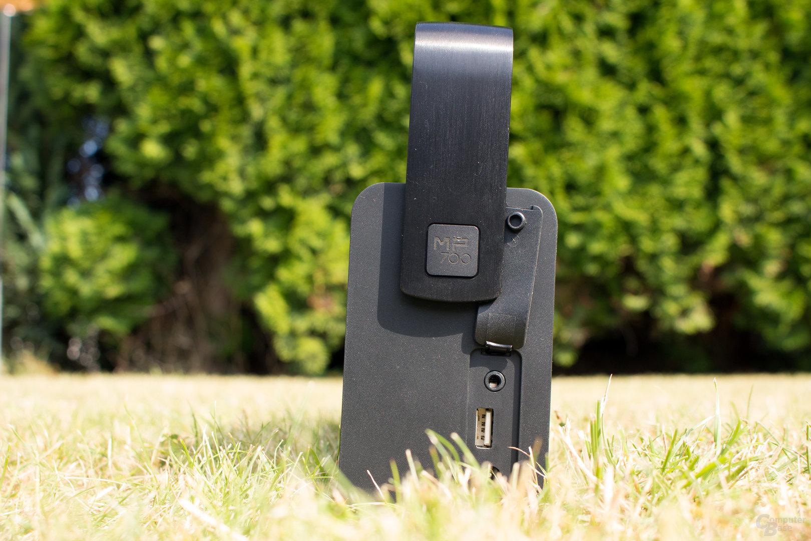 USB-Anschluss zum Laden externer Geräte – leider nicht für den eigenen Akku