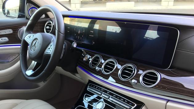 Mercedes-Benz: Linguatronic der E-Klasse steuert Fahrzeugfunktionen