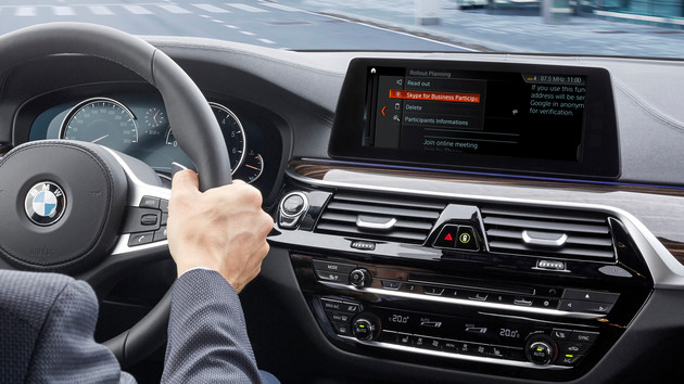 Connected+: BMW bringt Skype for Business ins Auto