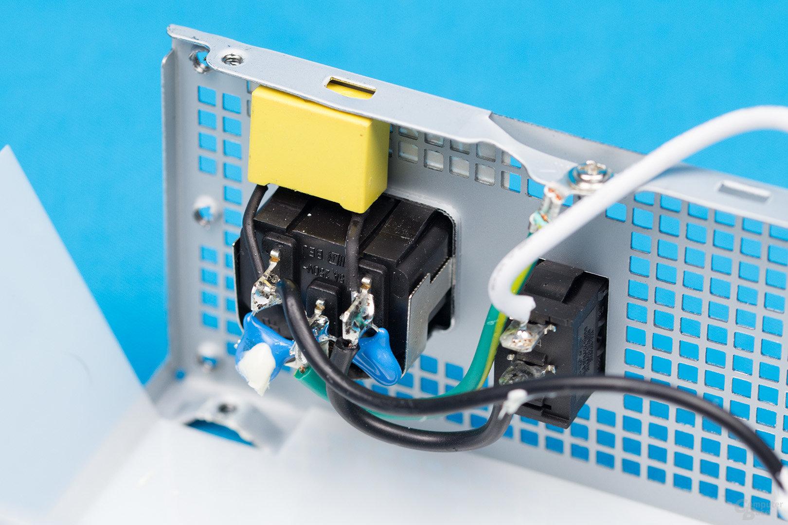 Inter-Tech Argus SFX-300W – Kaltgerätebuchse
