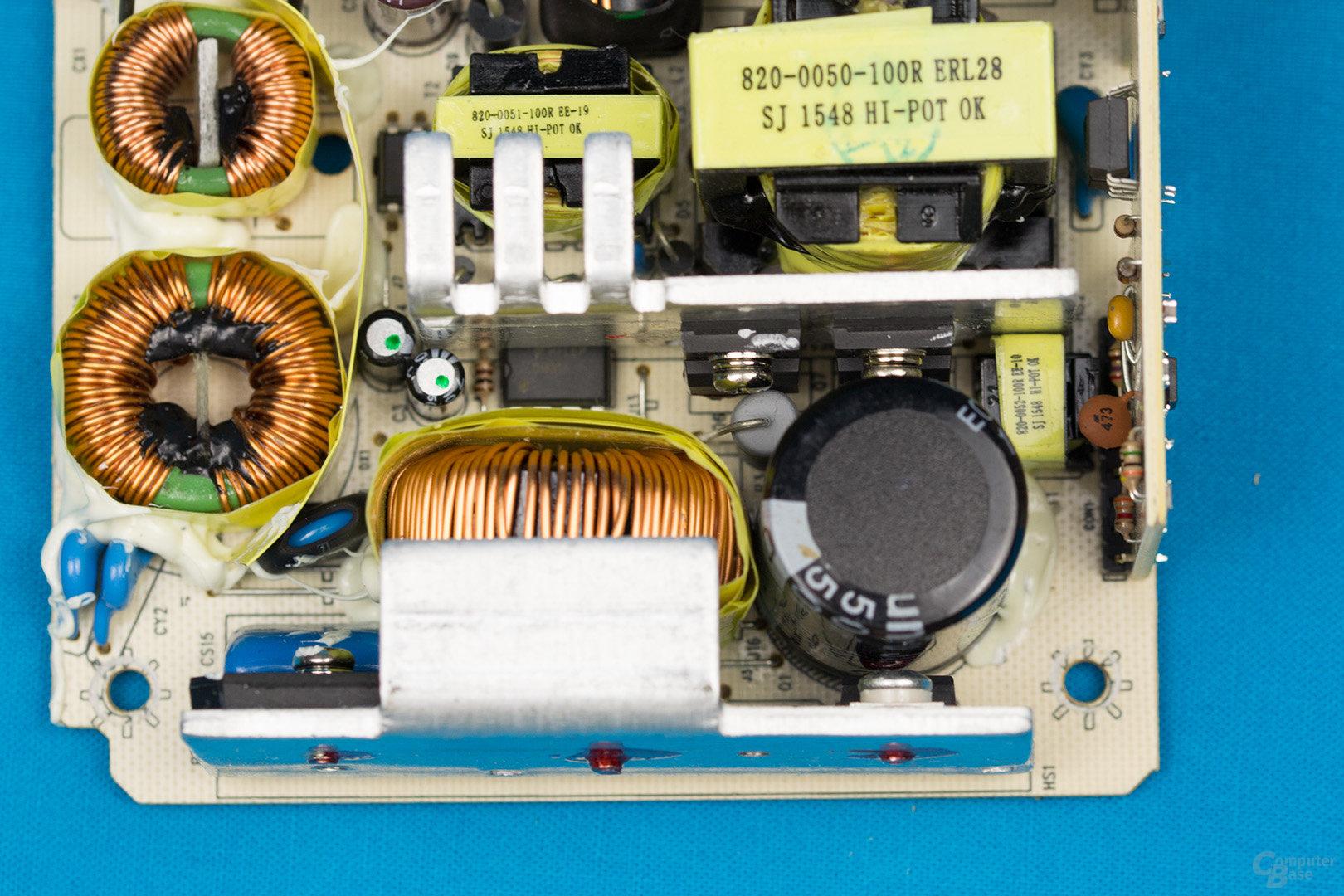 Inter-Tech Argus SFX-300W – APFC und Double-Forward-Konverter