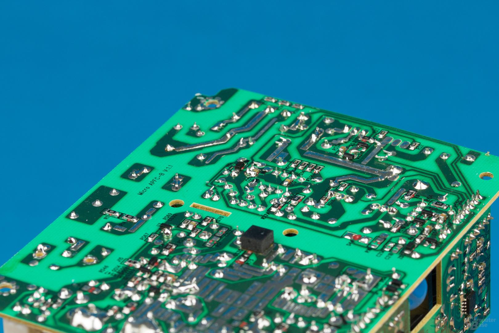 Inter-Tech Argus SFX-300W – Lötqualität (Primärseite)