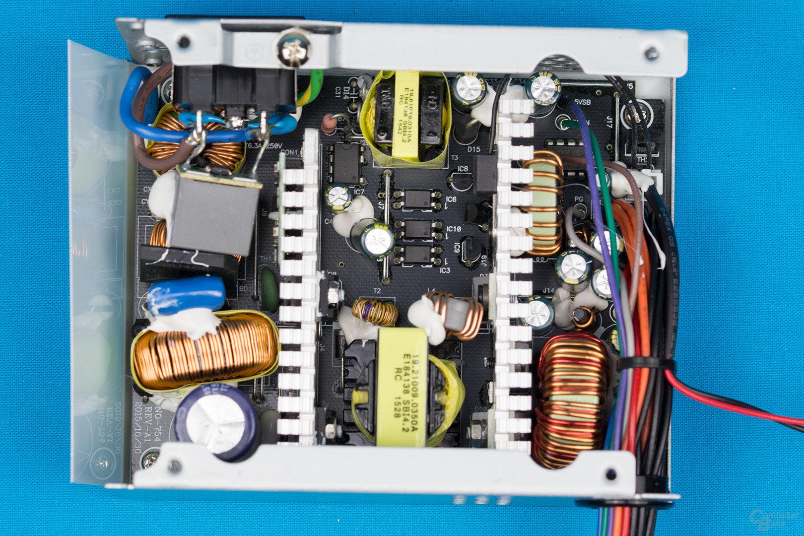 Chieftec SFX-350BS – Überblick Elektronik