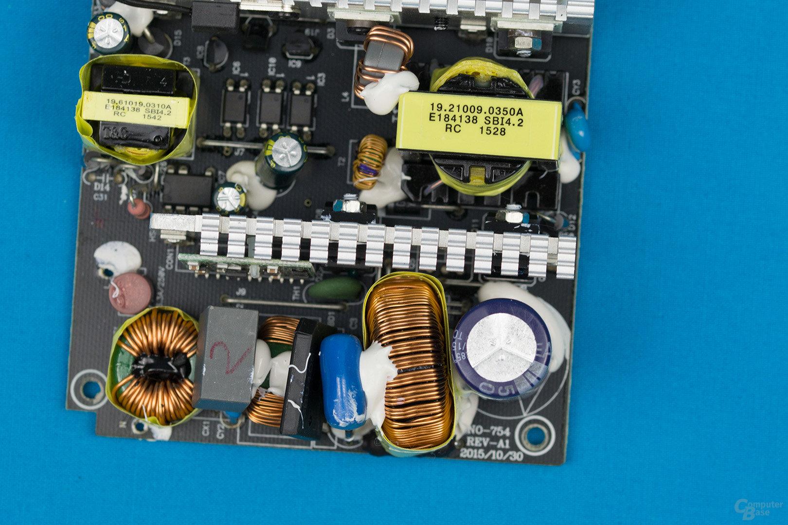 Chieftec SFX-350BS – APFC und Double-Forward-Konverter