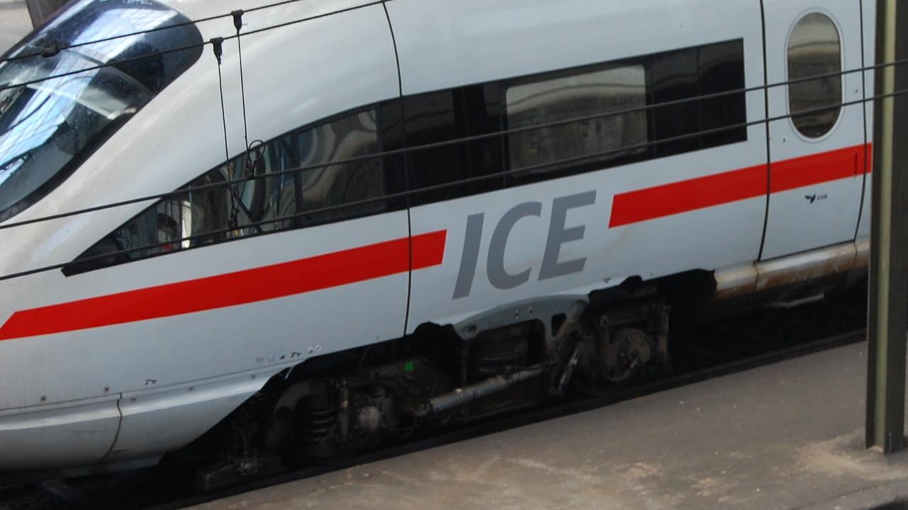 Deutsche Bahn: CCC kritisiert Sicherheitslücke im ICE-WLAN