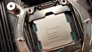 Intel Core i9-7920X: 12 Kerne von Core X takten mit mindestens 2,9 GHz