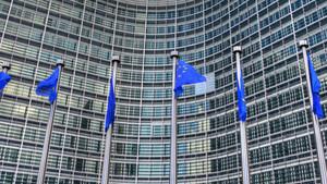 EU-Kommission: Verschärfter Ton gegenüber Facebook, Google und Twitter
