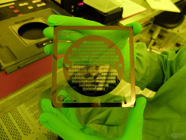 Quarzglas-Maske für die Herstellung von 156 Mikro-Heizelementen