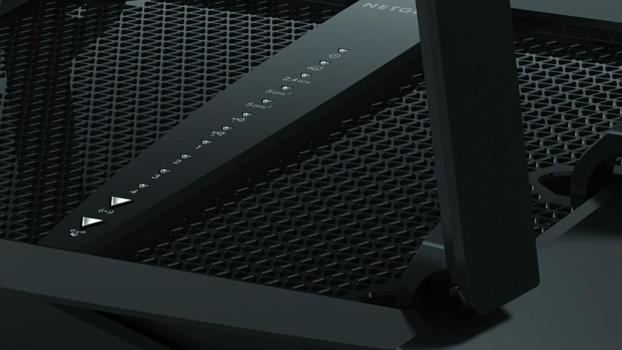 Netgear Nighthawk X6S: Auffälliger Triband-Router mit neuem SoC und Alexa