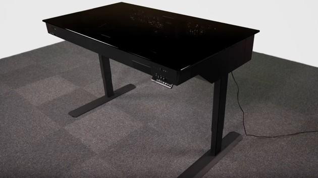 Lian Li DK-05: Ein Tisch für zwei Rechner und 2.300 Euro