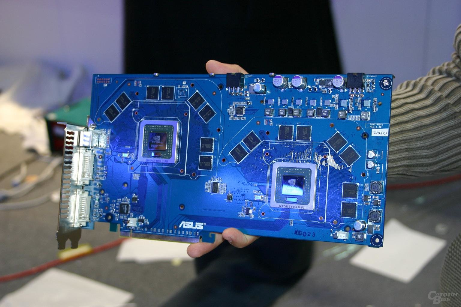 Asus GeForce 6800 Ultra DUAL aus dem Jahr 2005