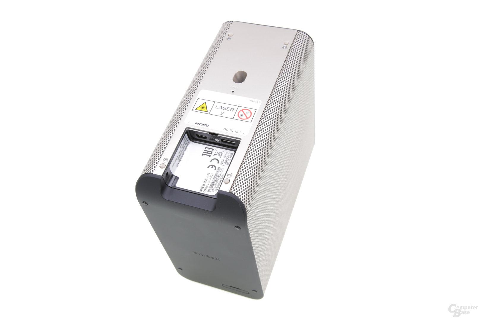 Unterseite mit Anschlüssen und Autofokus-Sensor