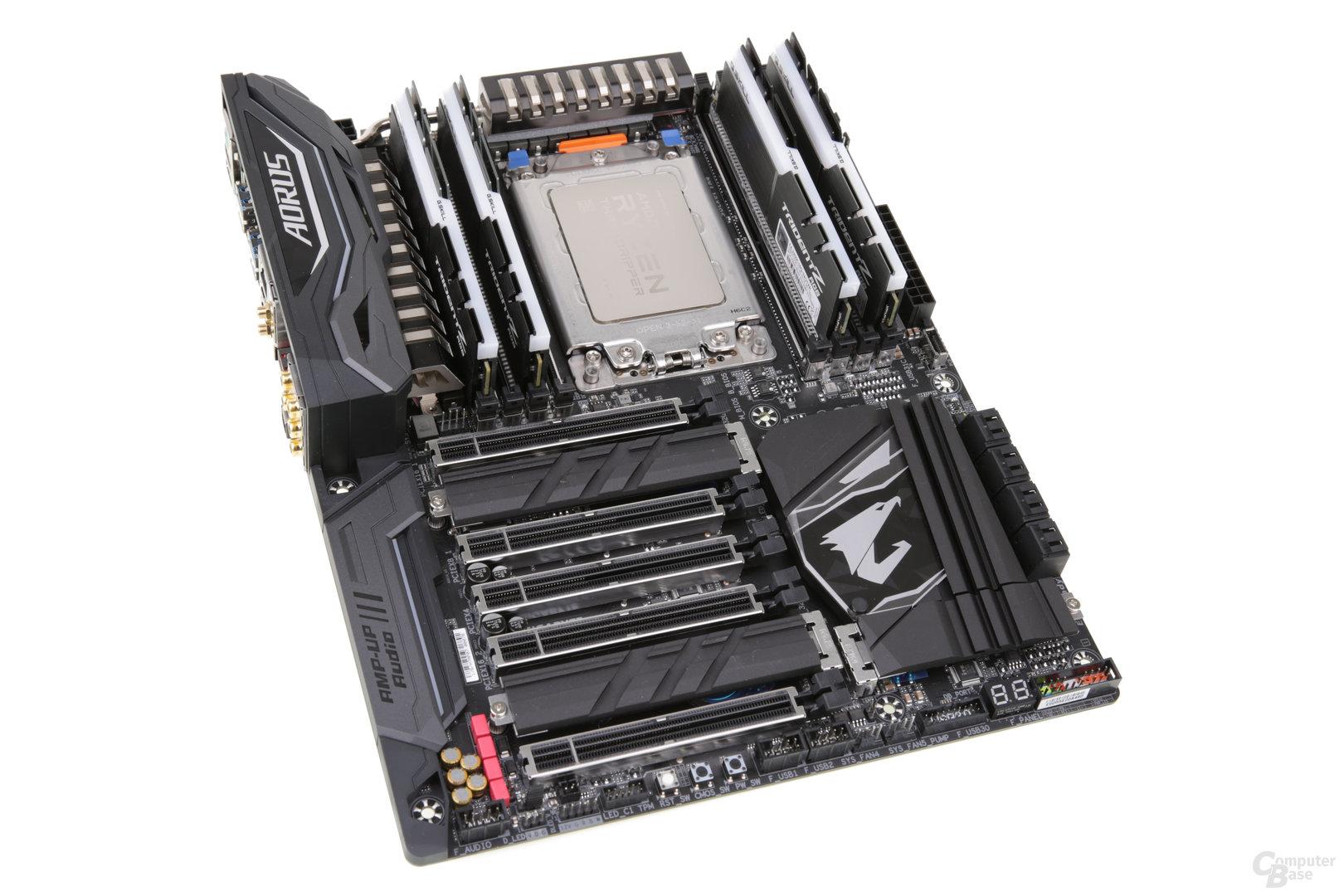 Das Gigabyte Aorus X399 Gaming 7: Mit weniger Lieferumfang für 400 Euro