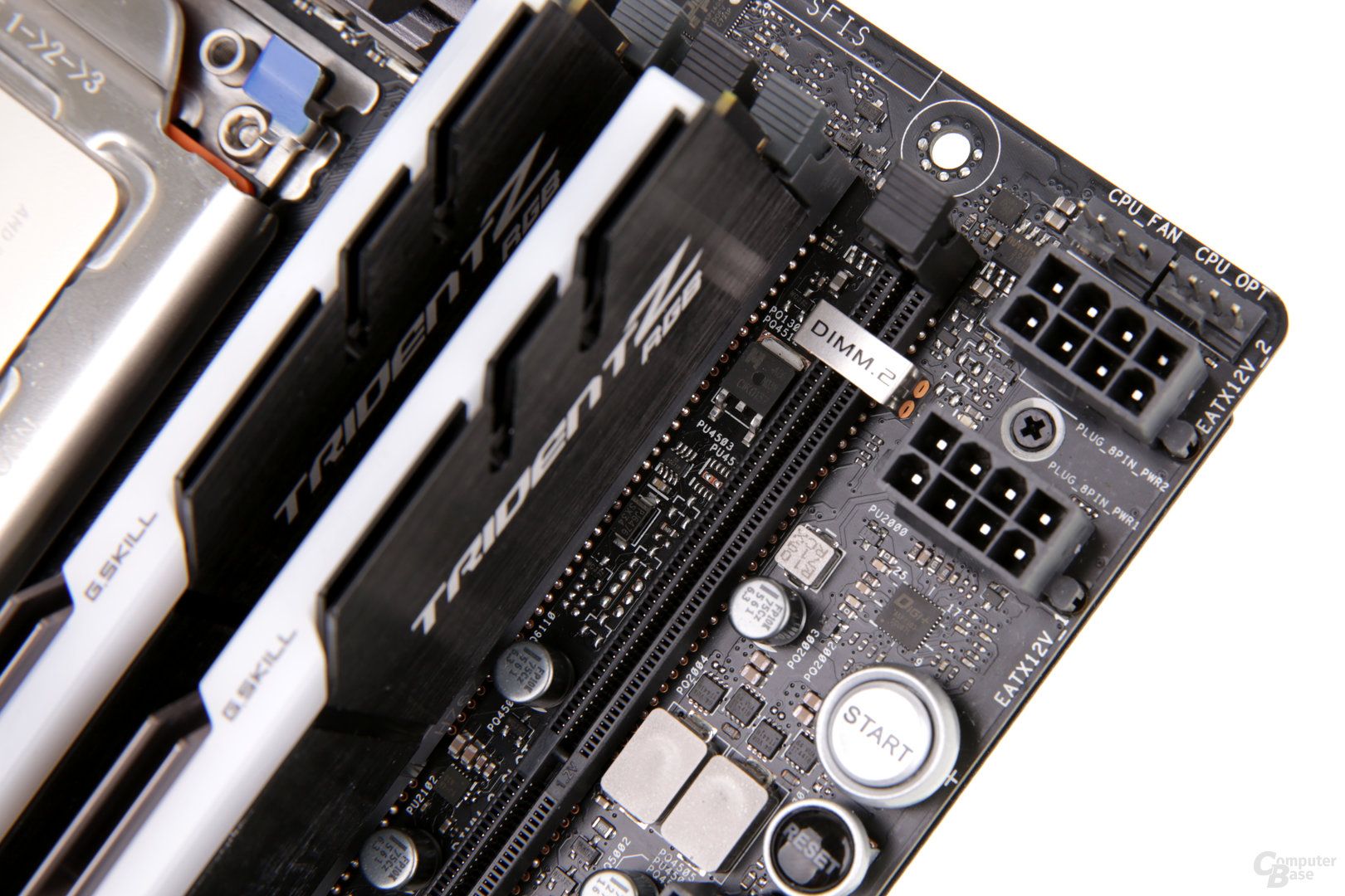 Das Asus ROG Zenith Extreme bietet zwei Mal 8 PIN für die CPU