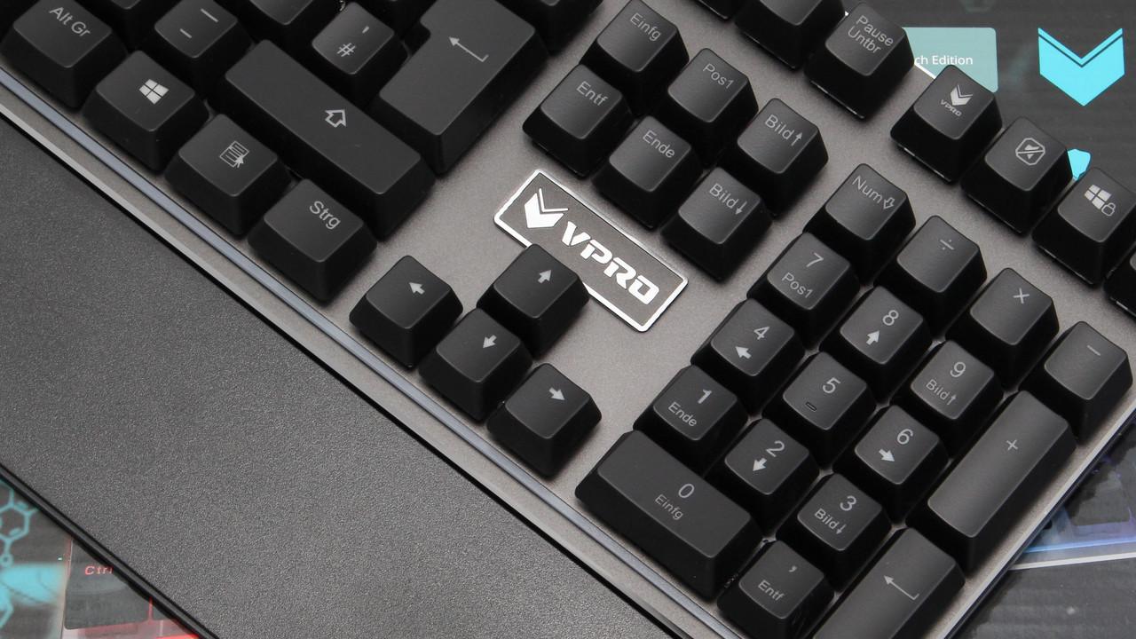 Vpro V720S im Test: Mechanische Taster mit RGB-LED-Beleuchtung für 80 Euro