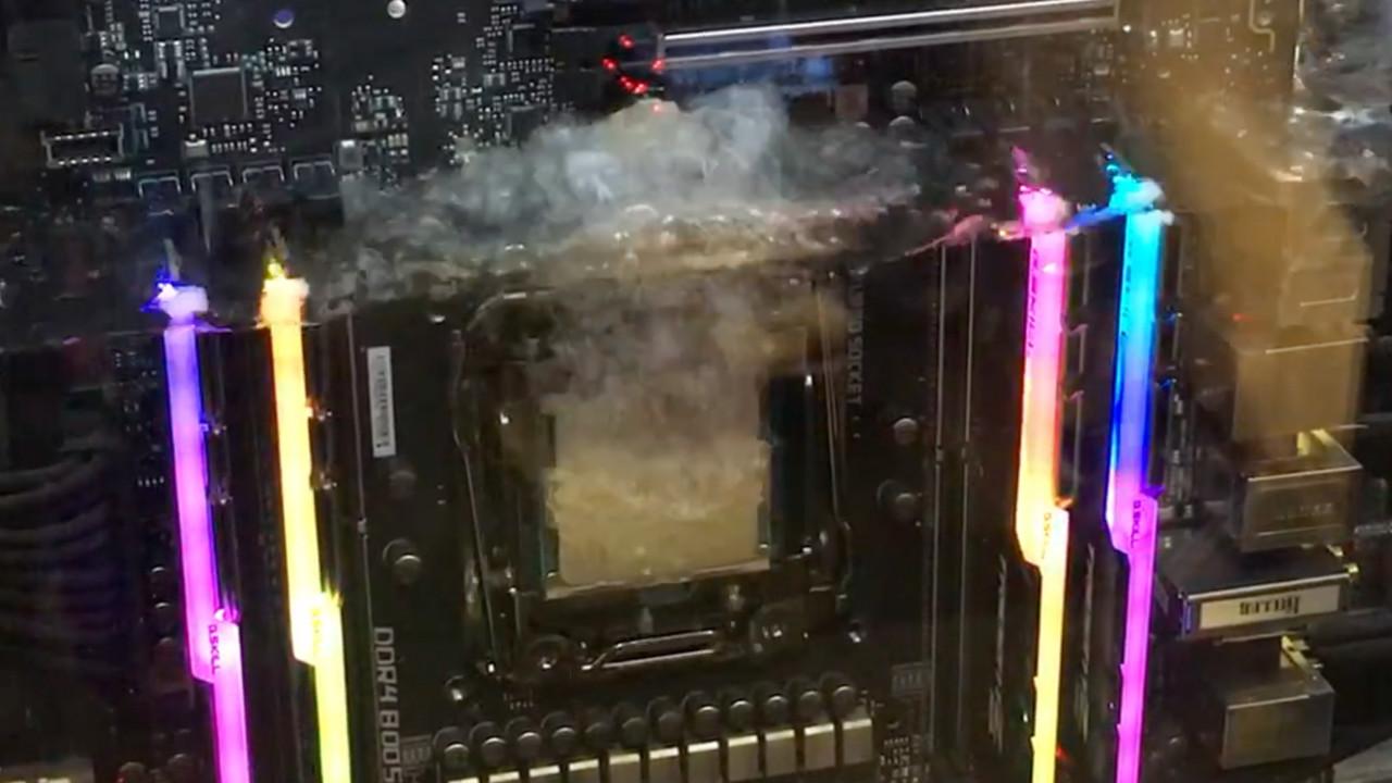 der8auer Aqua Exhalare: High-End-PC mit Phasen-Kühlung für 10.000 Euro