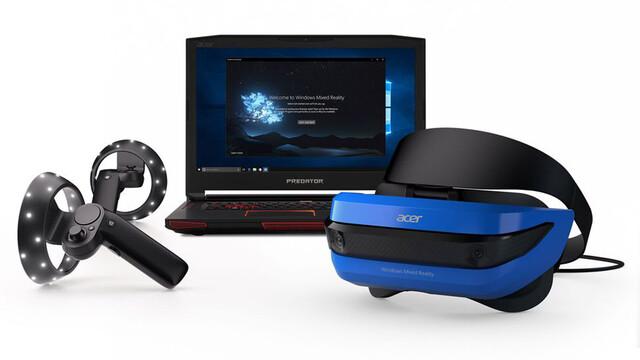 Die Referenz-Controller mit 6DoF-Tracking neben dem Headset von Acer