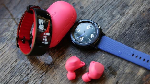 Sport-Wearables: Samsung Gear Sport, Fit2 Pro und IconX 2018 vorgestellt