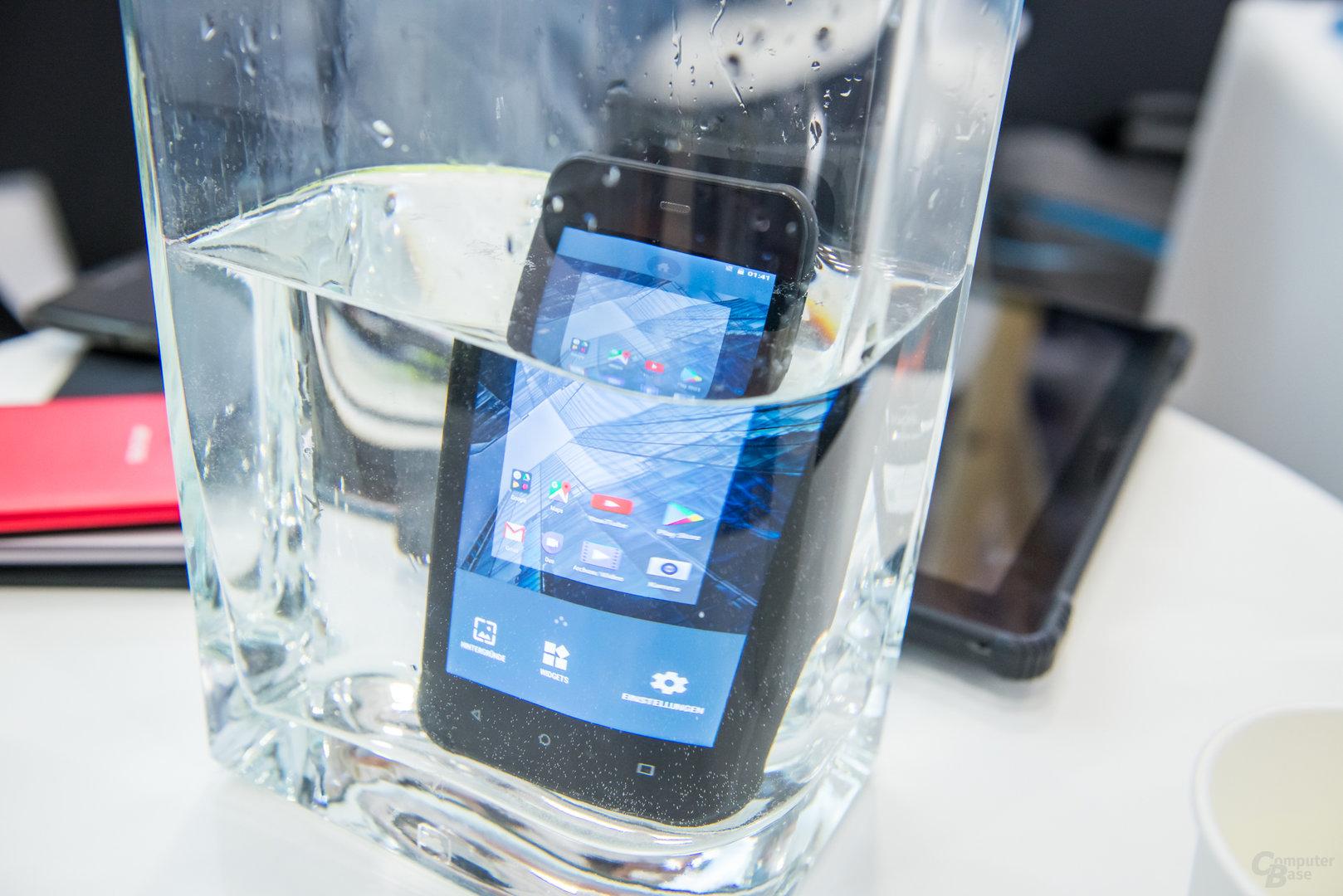 Archos Sense 47X bedient durch Wasserberührung