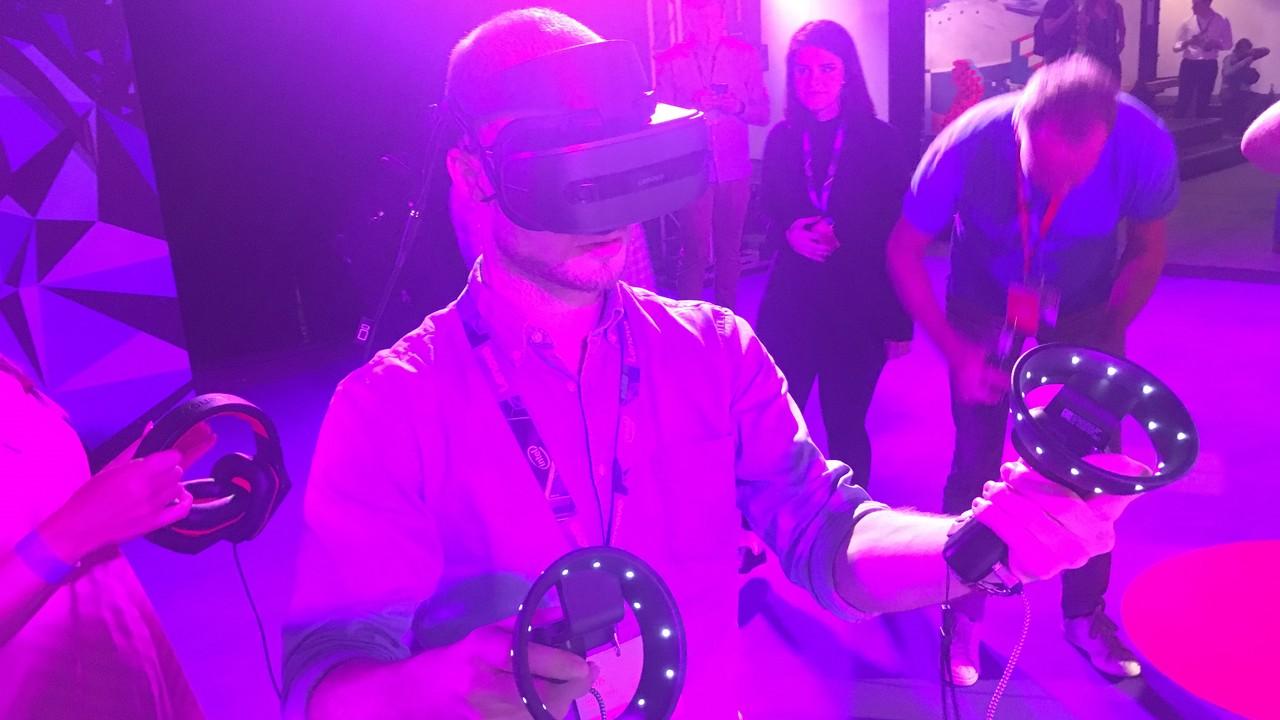 Windows Mixed Reality: VR von Microsoft ganz ohne externe Helferlein