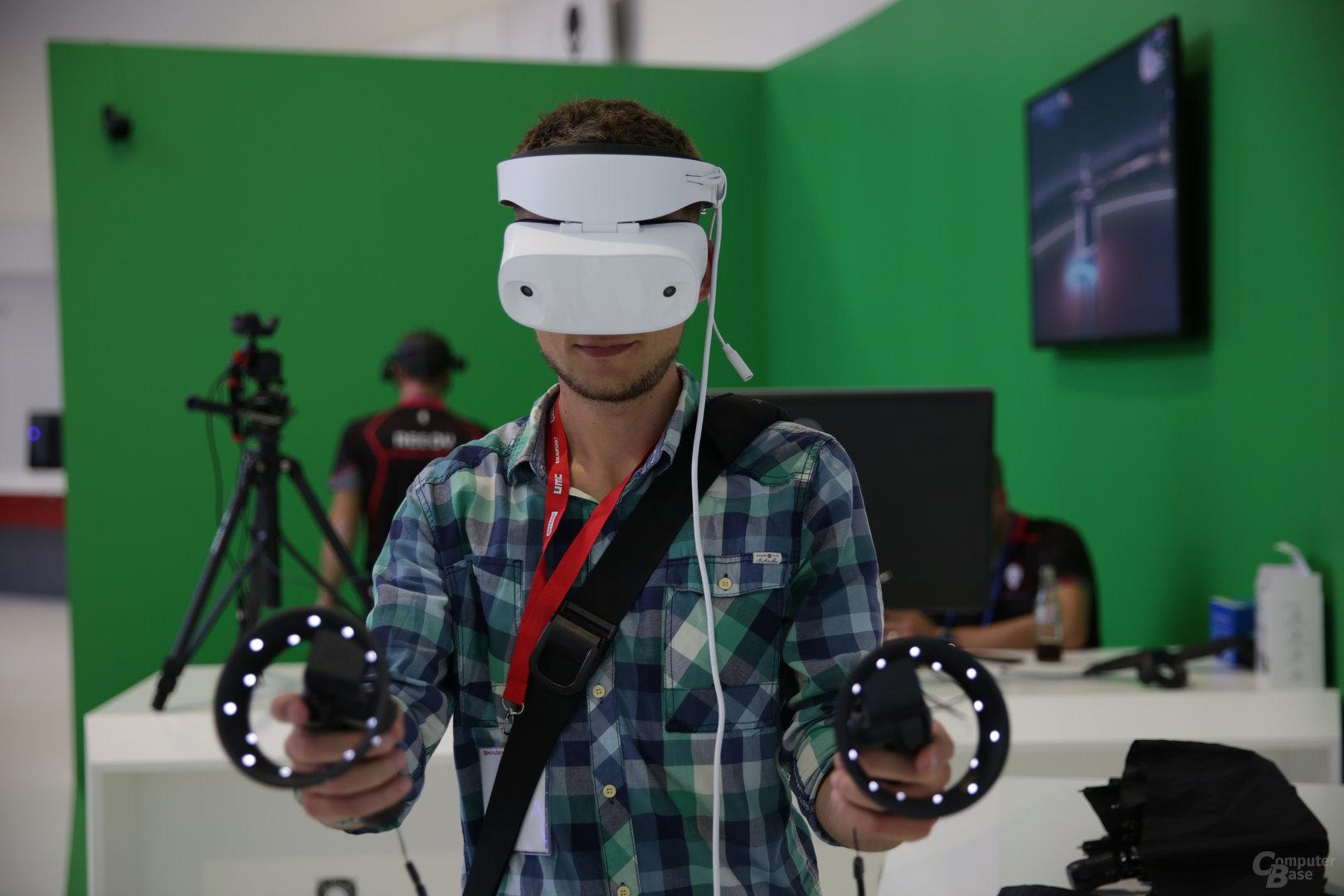 In voller Montur: VR mit Mixed Reality von Microsoft