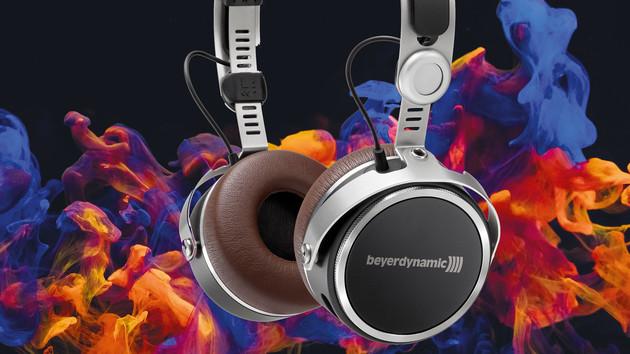 Beyerdynamic Aventho: On-Ear-Hörer wird mit Hörtest auf den Träger abgestimmt
