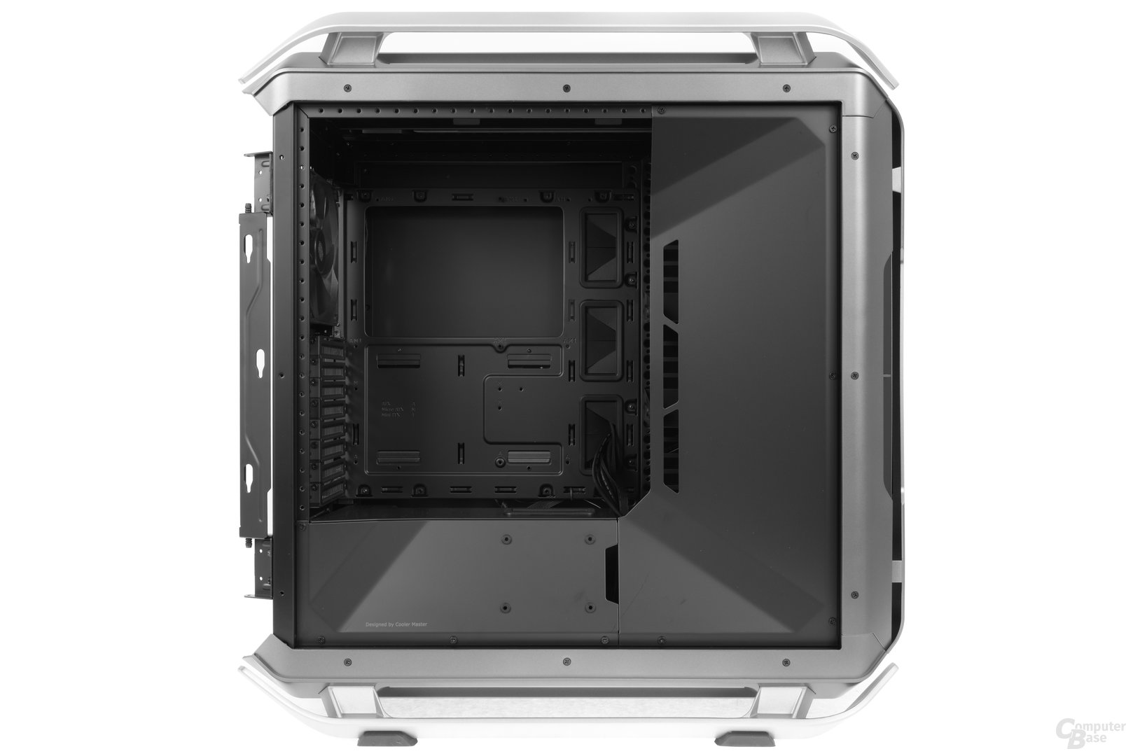 Cooler Master Cosmos C700P – Innenraumansicht
