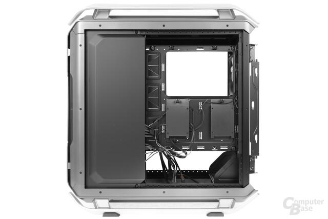 Cooler Master Cosmos C700P – Innenraumansicht Rückseite