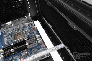 Cooler Master Cosmos C700P – Selbiges gilt für den Wärmetauscher im Deckel