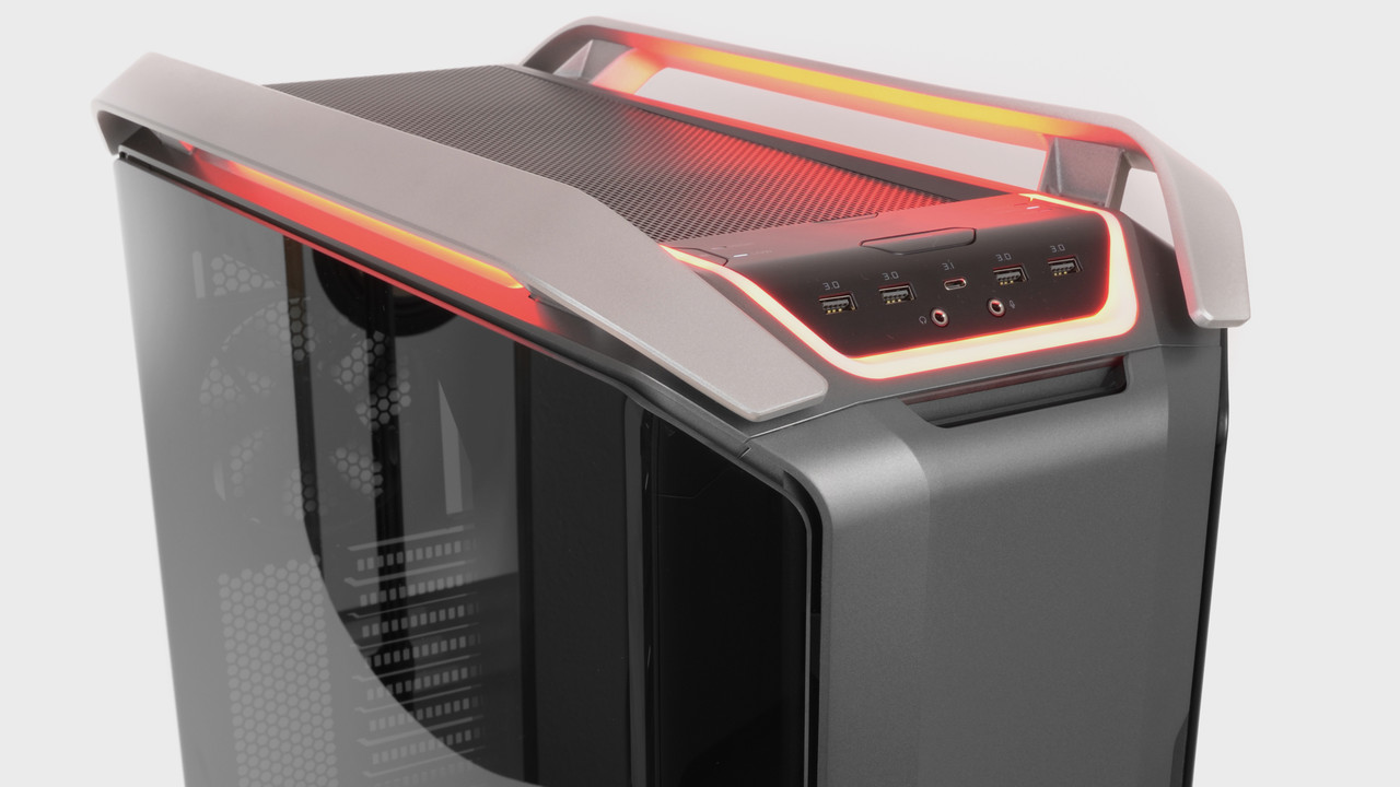 Cosmos C700P im Test: Cooler Masters Big Tower hat Ausstrahlung