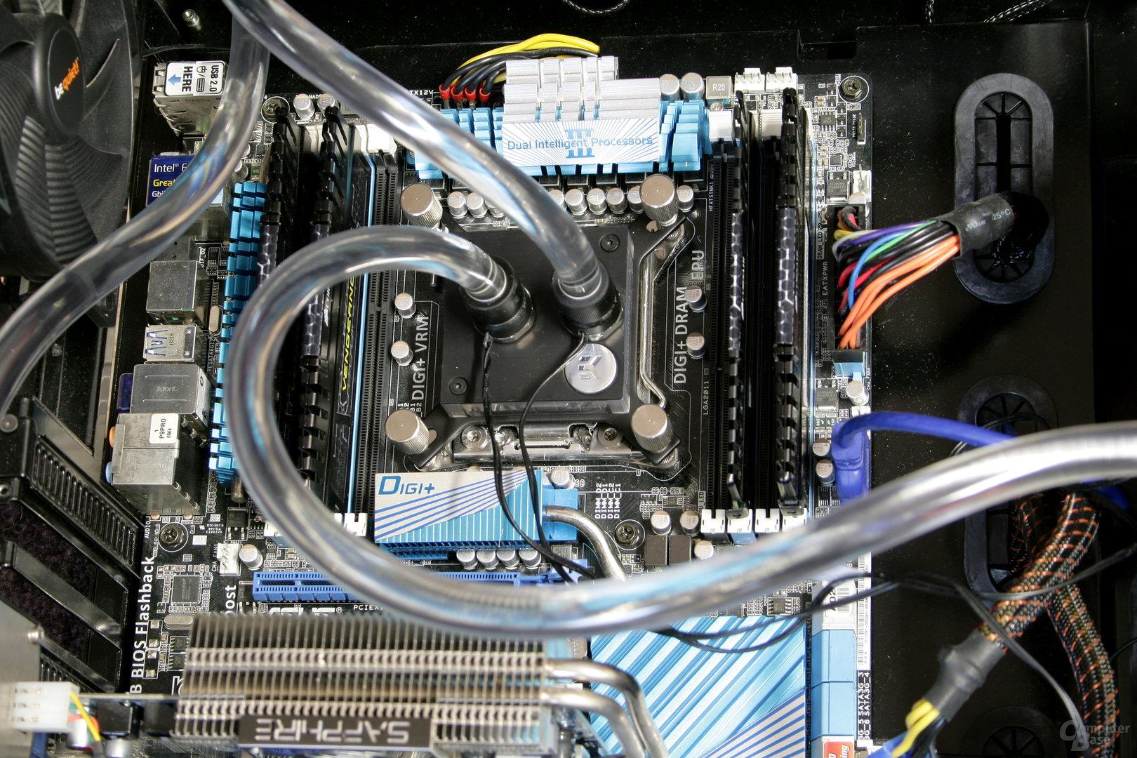 EK Fluid Gaming: CPU-Kühler im Kreislauf integriert