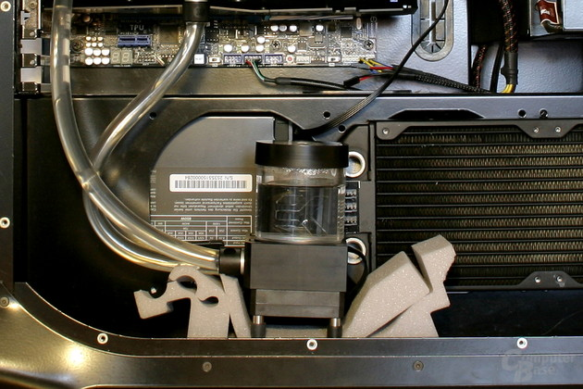 Provisorische Pumpenentkopplung auf Schaumstoff