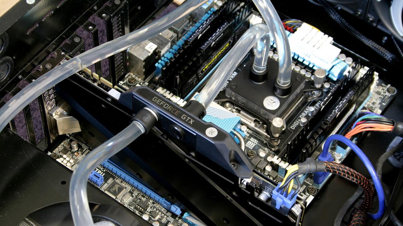 EKWB Fluid Gaming A240G im Test: Alu-Wasserkühlung für CPU und GPU auf dem Prüfstand
