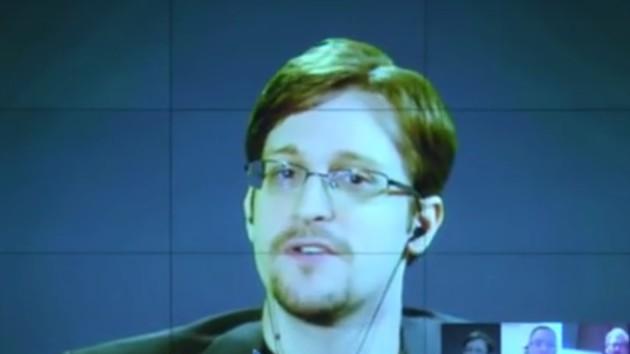 """Edward Snowden: Google nicht zum """"Sheriff des Internets"""" ernennen"""