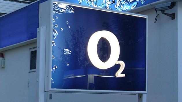"""Bundesnetzagentur: Scharfe Kritik an """"nicht erreichbarer"""" O2-Hotline"""