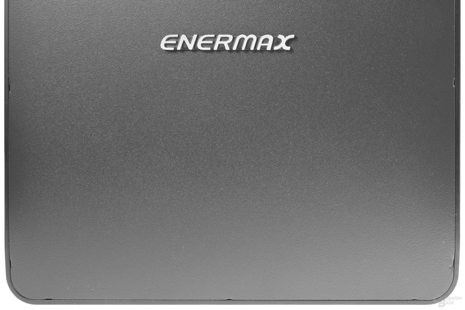 Enermax GraceFun – Das Blech ist am Rand sichtbar unsauber verarbeitet