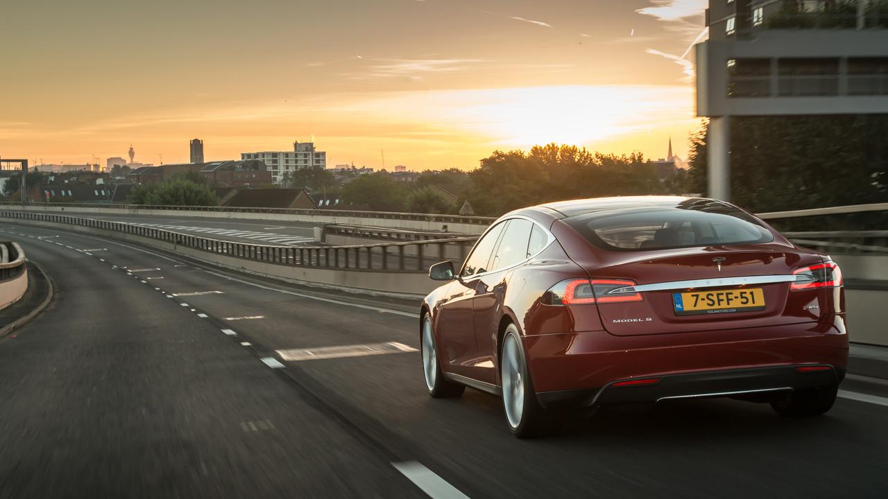 Autonomes Fahren: Tesla entwickelt eigenen AI-Chip mit AMD-Technologie