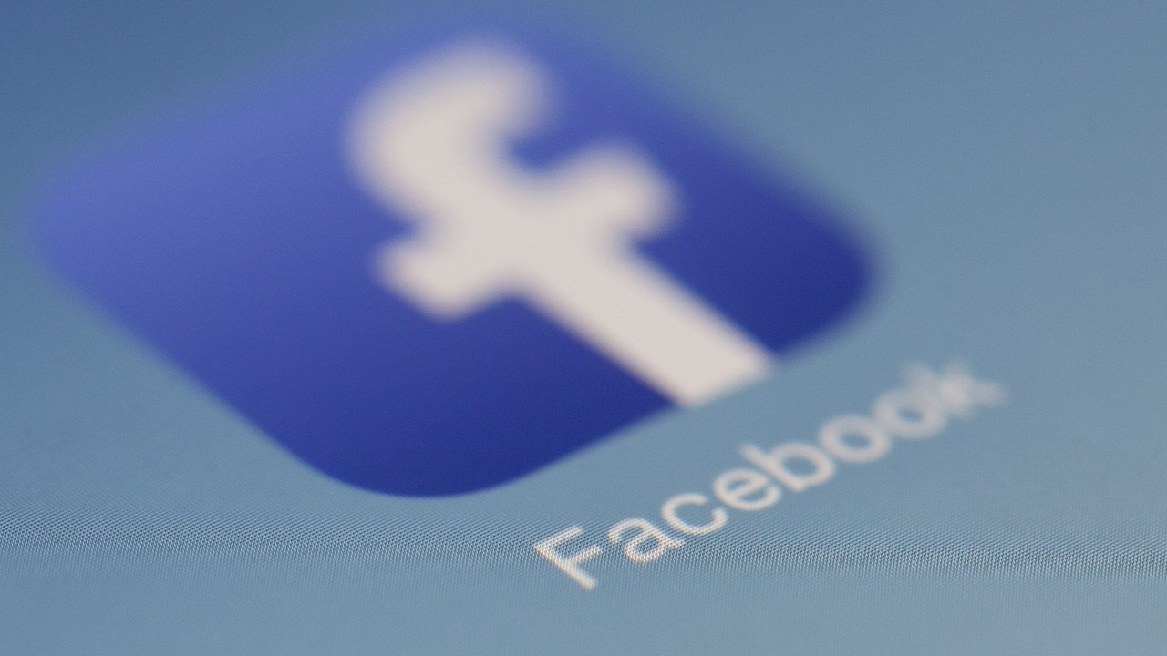 Soziale Netzwerke: Facebook-Gesetz mit Löschfristen tritt in Kraft