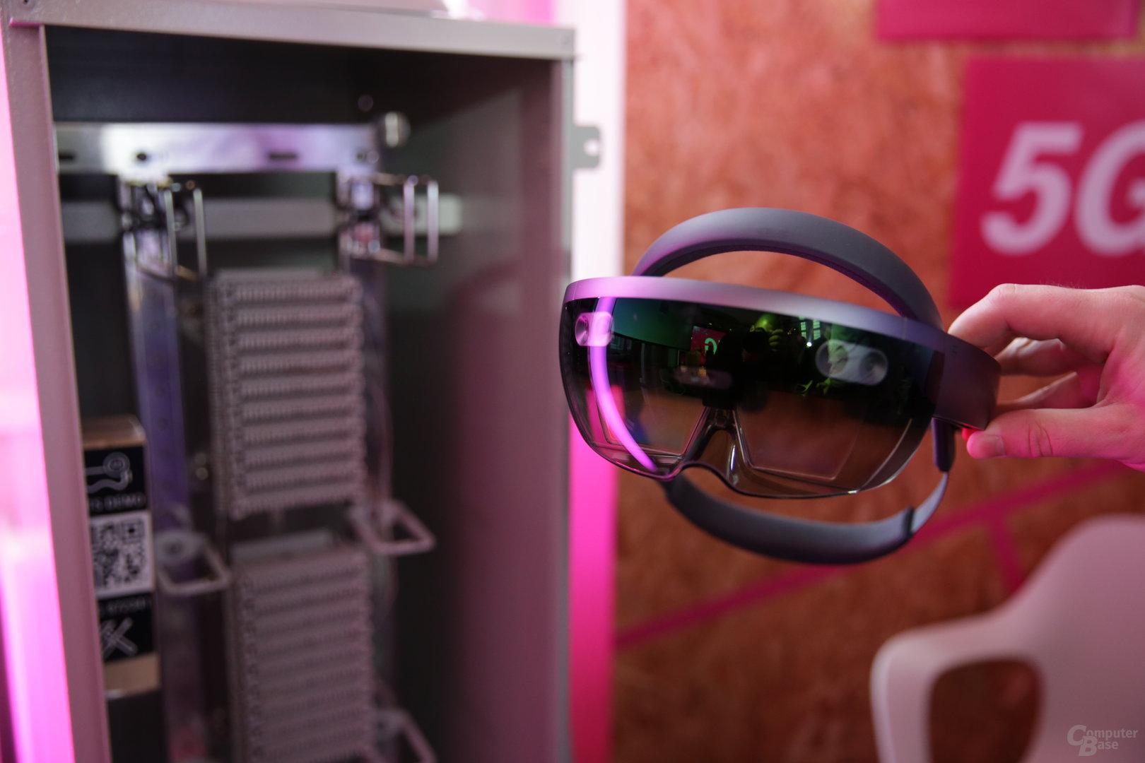 Techniker der Telekom nutzen AR mit 5G-Anbindung