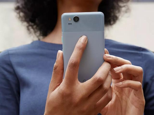 Pixel 2 in Kinda Blue