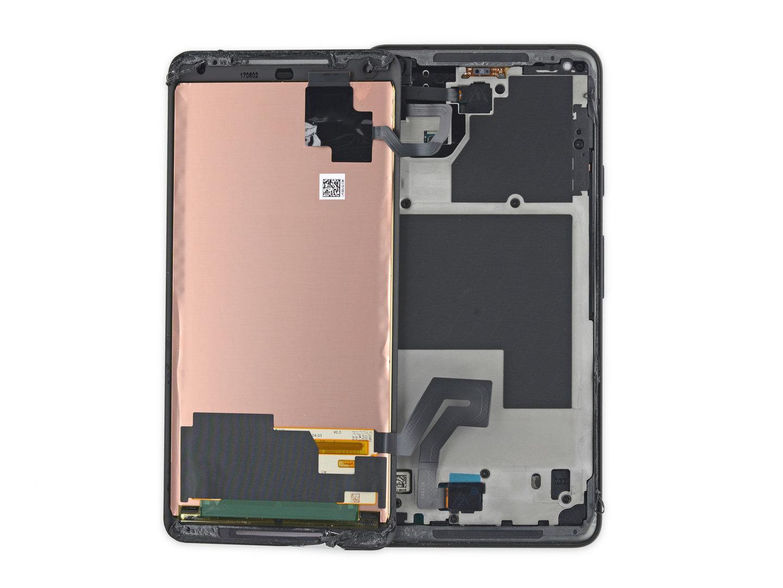 Blick hinter das Display des Pixel 2 XL